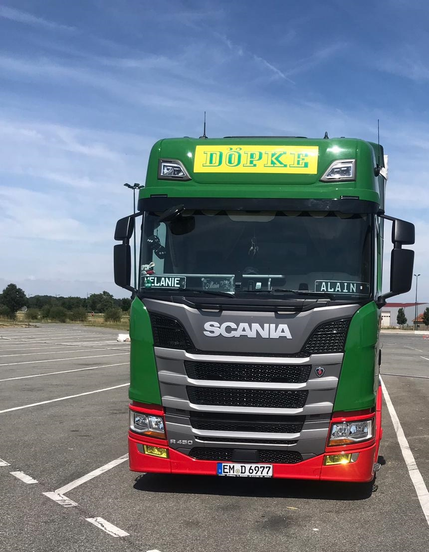 Fahrer freuen sich: Fünf neue SCANIA R für Döpke