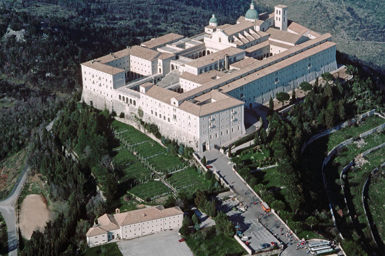 Döpke GmbH Spedition unterstützt die Monte Cassino Stiftung