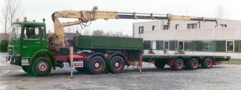 Kranwagen mit Teleskop-Tieflader von 1984
